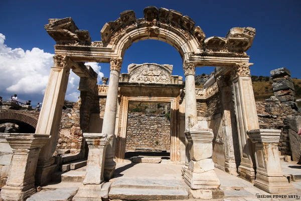 temple-of-hadrian-ephesus
