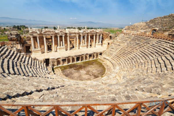 Hierapolis-theater-city-denizli-pamukkale