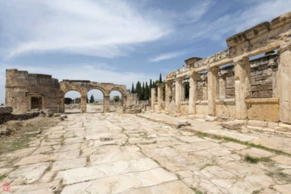 Hierapolis-Ancient-city-denizli