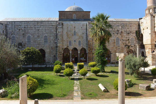 isa-bey-mosque-selcuk