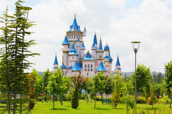 fairytale-castle-eskisehir-turkey