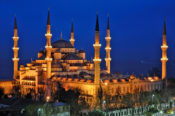 bue-mosque-night
